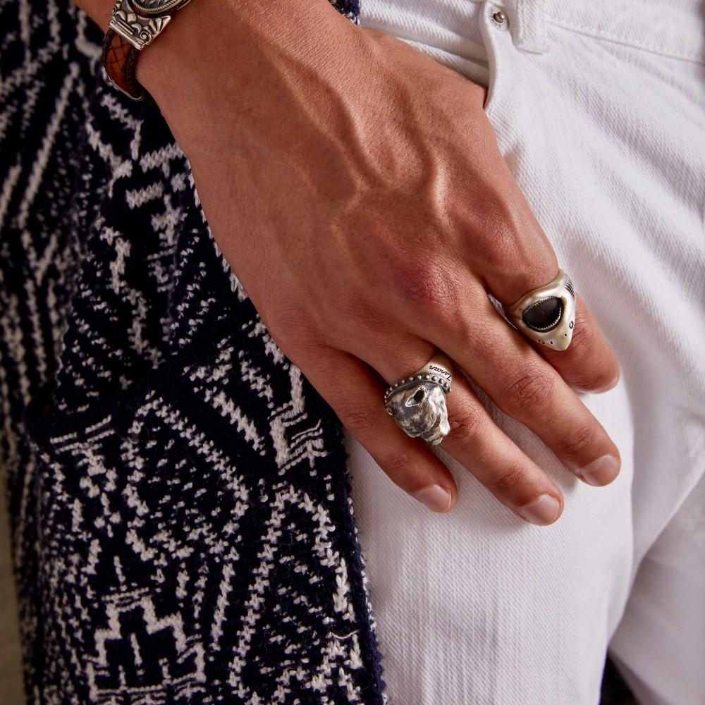 Anello Zancan pitbull in argento con finitura vintage.